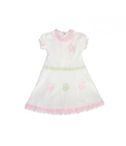 Fehér ruha rózsaszín szegőzéssel díszített