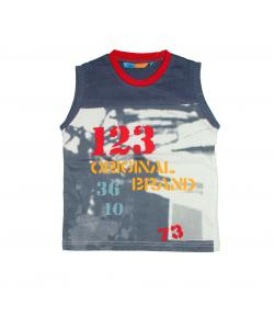 Mc baby- Acél szürke színű nyakán piros paszpollal díszített fiú trikó 6 év